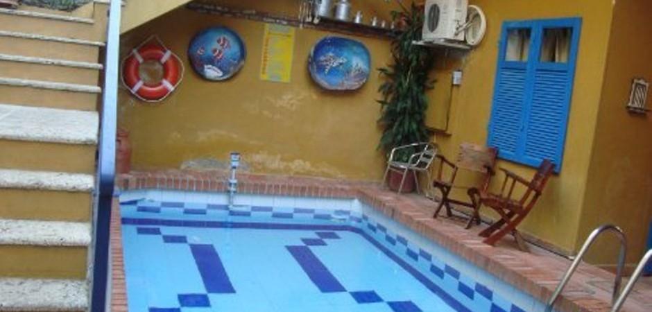Piscina  Fuente hotelcasadelaspalmas com